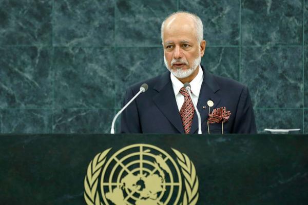 سلطنة عمان: الحوار والمفاوضات لحل الخلافات سلميا