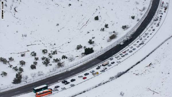 مدن الشرق الأوسط تستعد للعاصفة الثلجية &#34هدى-زينة&#34