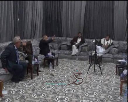 تفاصيل ما دار في لقاء الحوثي والمستشارين.. عرض ملفات (فساد رئاسي تعز ومأرب، والنفط)