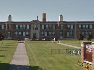 أطفال في مدرسة ابتدائية يتآمرون لقتل معلمتهم