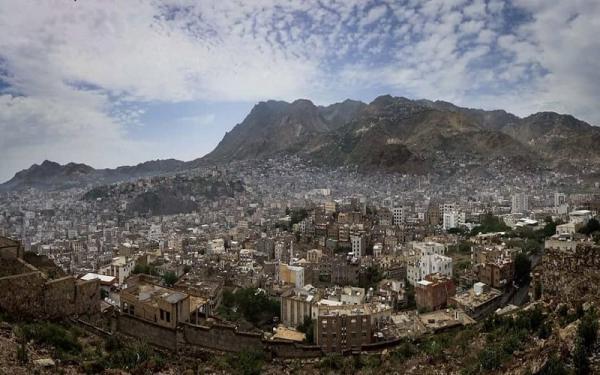 إصابة 3 أطفال بشظايا مضاد طيران حوثية بتعز