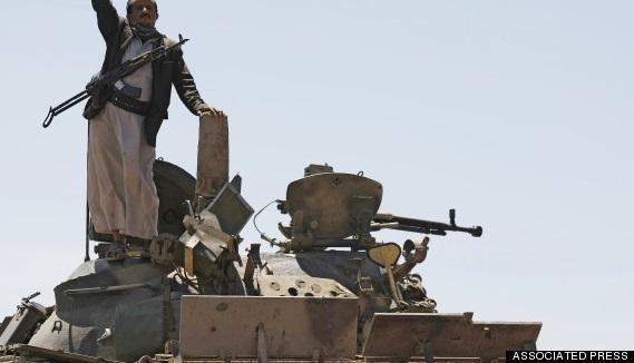 تقرير استخباراتي أمريكي: الحوثيون ينقلون الأسلحة من صنعاء إلى معاقلهم بصعدة لتراجع محتمل إليها