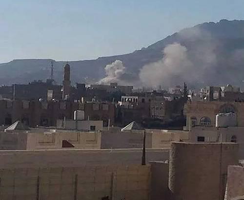 اليمن.. اللجان الشعبية تسيطر على معسكر &#34النهدين&#34 التابع للحماية الرئاسية
