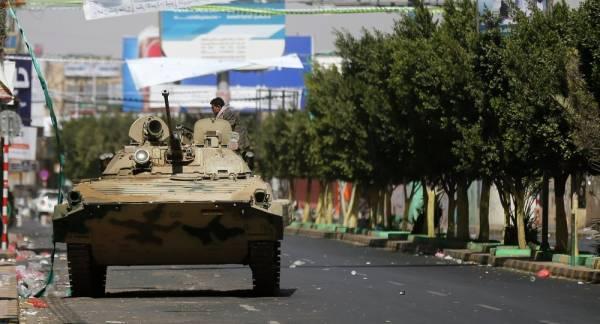 المخابرات اليمنية في قبضة الحوثيين.. ولجان لحماية سجون الأمن السياسي