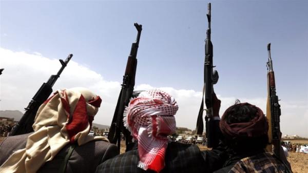 بعد سطوها على سلاح الدولة.. عصابة الحوثي تتجه لنهب سلاح القبائل