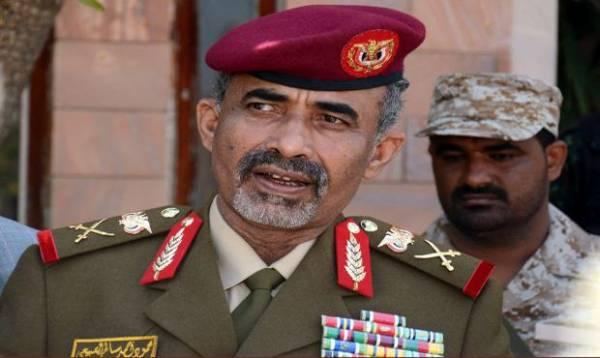 &#34الشعبية&#34 تقدم اعتذاراً لوزير الدفاع اليمني عن إطلاق نار على موكبه بالخطأ