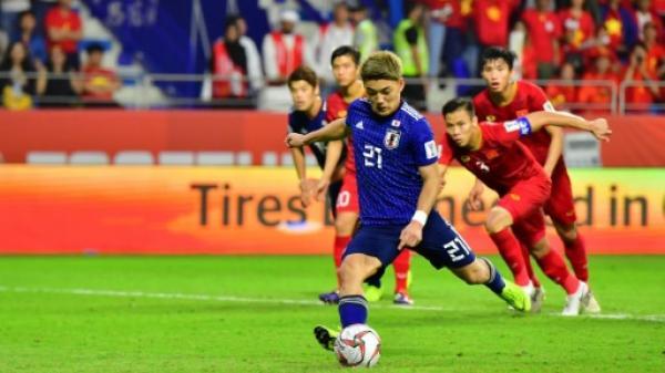هدف من ركلة جزاء بمساعدة الفيديو يرسل اليابان لقبل نهائي كأس آسيا