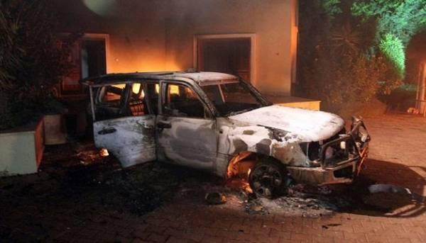 تقرير| سفير أمريكا في ليبيا كان يزود القاعدة بالأسلحة