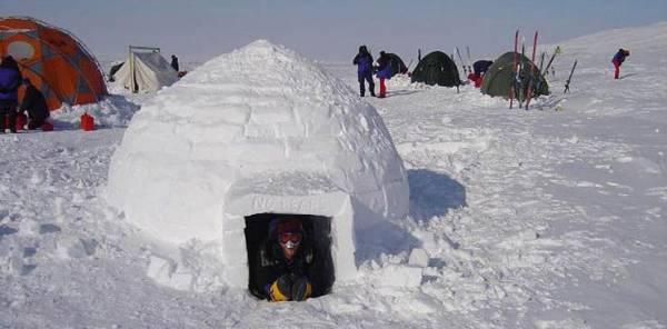 """مابين العِلم والإبداع المعماري: منازل """"دافئة"""" مصنوعة من الثلوج!"""