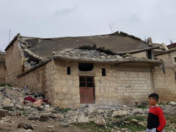 روبرت فيسك من قلب عفرين: المدنيون هم الضحايا الحقيقيون للغارات التركية