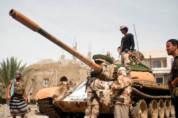 القوات الحكومية تدحر مليشيا الحوثي من عديد مناطق بتعز