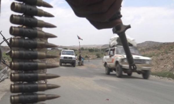مقتل قائد عسكري بارز في القوات الحكومية وإصابة مرافقيه