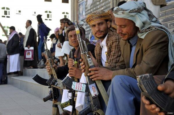 استمراراً لسياستها الكارثية.. مليشيا الحوثي تفرض قيوداً جديدة على التجار بهدف السيطرة على السيولة