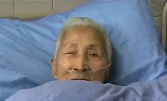 مسنَّة صينية تنهض من غيبوتها متحدثة الإنجليزية ونسيت لغتها الأم