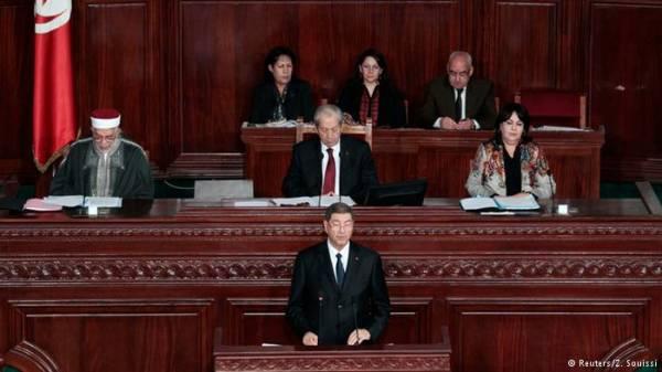 حكومة الصيد تحصل على ثقة البرلمان التونسي بأغلبية واسعة