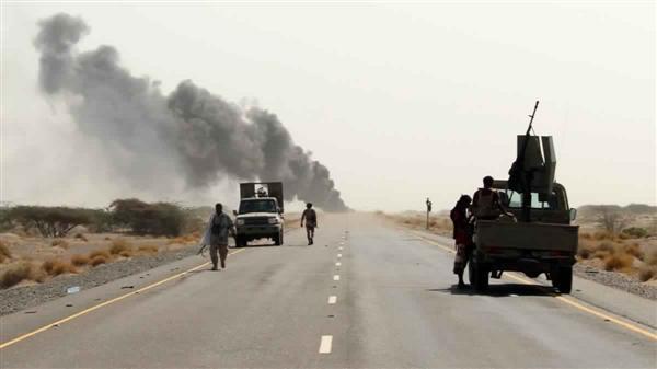 مليشيات الحوثي تفجر الجسر الرابط بين حيس والجراحي بالحديدة