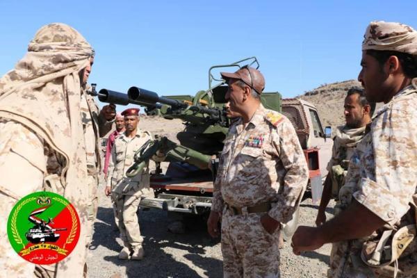 اللواء 35 مدرع يحتفل بتخرج سرية المدفعية لرفد الجبهات والذود عن تعز