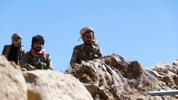 قصف مدفعي بين أفراد اللواء 30 مدرع ومليشيا الحوثي في الضالع