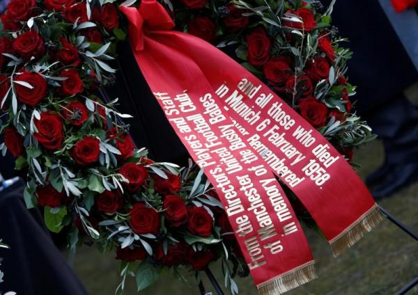 مانشستر يونايتد يحيي الذكرى 60 لتحطم طائرة ميونيخ