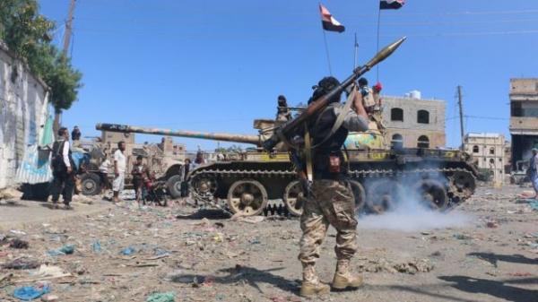 تعز: القوات الحكومية تؤمّن مواقع مهمة وتواصل عملياتها لتحرير المحافظة