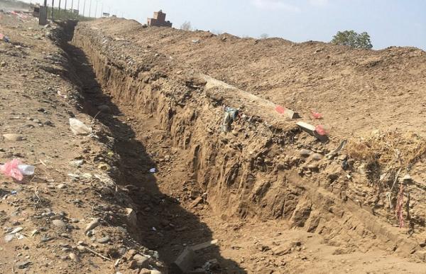 مليشيا الحوثي تحفر أنفاقاً وتزرعها متفجرات على الطرق الرابطة بين الحديدة والمحافظات المجاورة