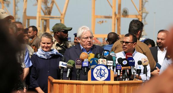 اتهامات لغريفيث برضوخه لابتزاز مليشيات الحوثي