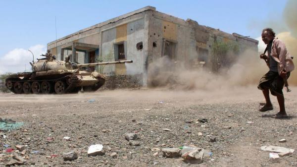 معارك عنيفة غربي تعز تكبد مليشيا الحوثي أكثر من 40 قتيلاً وجريحاً