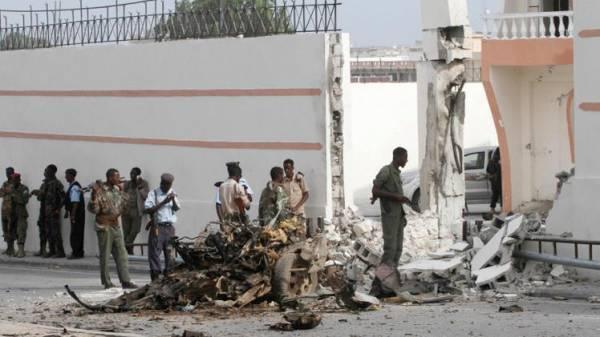 الصومال.. مقتل 6 وإصابة وزيرين ونائب برلماني في هجوم قرب القصر الرئاسي