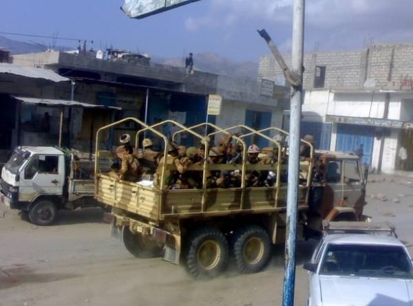 الجيش اليمني يقصف مواقع بلحج.. وانفجار قرب قاعدة العند