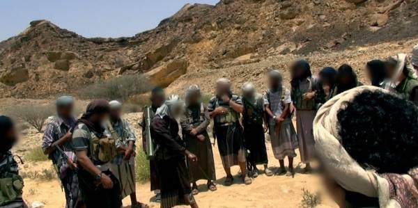 &#34القاعدة والقبائل&#34 يُشكلون حائط صد أمام زحف الحوثيين باتجاه جنوب اليمن