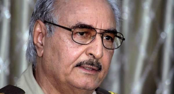 سبوتنيك: ترقية حفتر لرتبة فريق وتكليفه بقيادة الجيش الليبي