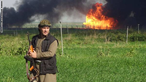 مقتل &#34والي الموصل الجديد&#34 في غارات للتحالف و&#34داعش&#34 يحرق 8 آبار نفطية