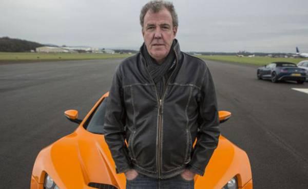 تعليق عمل جيريمي كلاركسون مقدم برنامج &#34Top Gear&#34 للسيارات