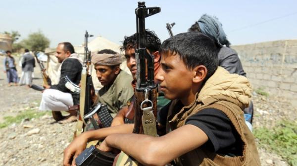 الحوثيون يحاصرون مديرية الشعر بإب.. اختطاف أهالي وتهجير آخرين