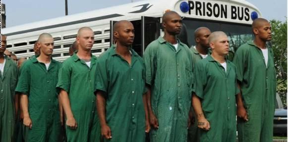 للمرة الثانية خلال أسبوع.. اعتقال صحفي أمريكي يعمل متخفيا في سجن لويزيانا