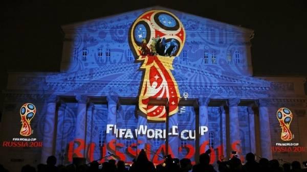 الفيفا يطالب بوقف التدخل السياسي في شؤون كرة القدم