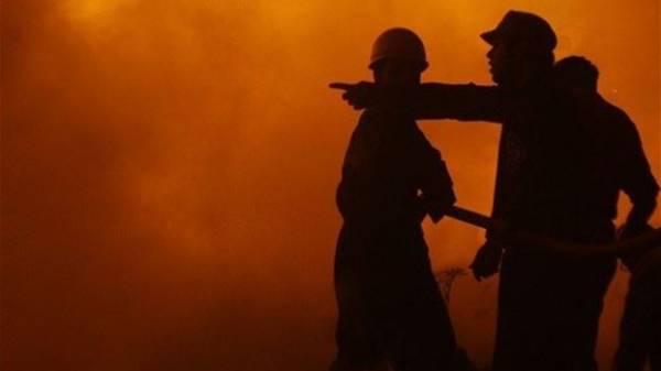 حريق هائل يمتد من كوريا الشمالية إلى الجنوبية