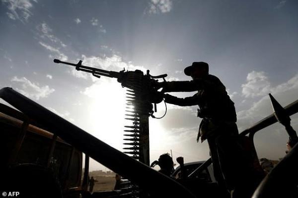 مقتل مسلح وإصابة آخرين في اشتباكات وسط مدينة تعز