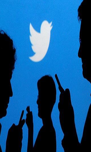 تويتر تحذر المستخدمين من خدعة تغيير تاريخ الميلاد
