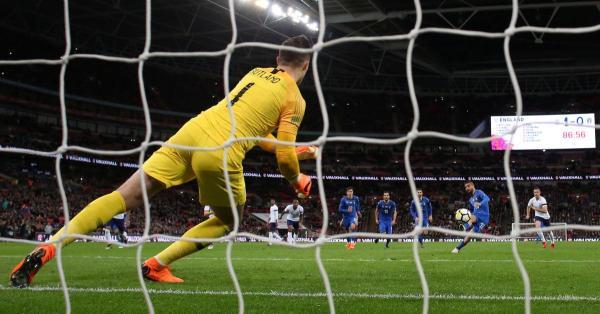 انجلترا تكتفي بالتعادل 1-1 مع ايطاليا بعد ركلة جزاء من حكم الفيديو
