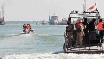 انقاذ مهربين بعد غرق سفينتهم بخليج عدن