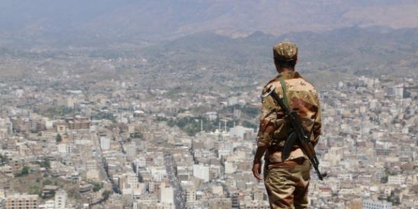 اغتيال جندي من قبل مسلحين مجهولين في تعز