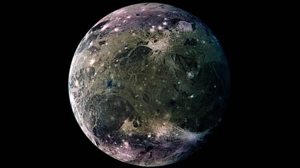 """ناسا تعد بـ""""أدلة قاطعة"""" على وجود كائنات فضائية قبل عام 2025"""