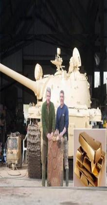 شاهد بالصور .. &#34بريطاني &#34 يعثر على كنز بداخل دبابة شاركت بحرب الخليج