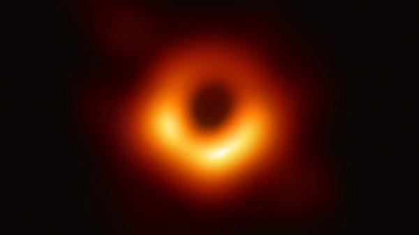 شبهه العلماء بـ &#34الوحش&#34.. أول صورة لثقب أسود يبعد تقريبا 27 ألف سنه ضوئية عن الأرض