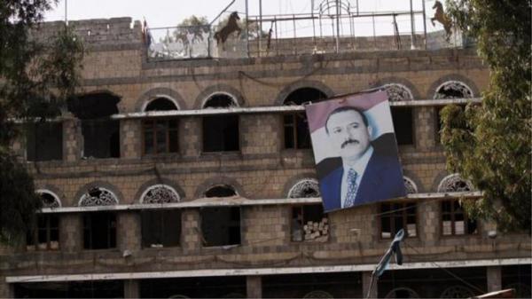 شبح صالح يدفع الحوثيين لملاحقة صوره الشخصية