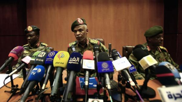السودان: المجلس العسكري الانتقالي لن يسلم البشير للمحكمة الجنائية الدولية
