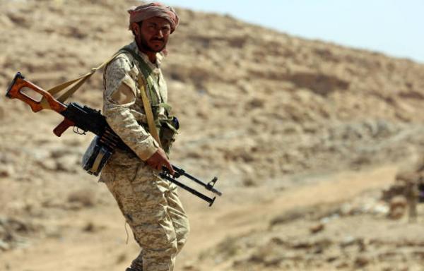 القوات الحكومية مسنودة بطيران التحالف تسيطر على مواقع جديدة بكتاف صعدة
