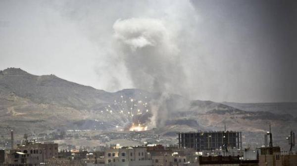 انفجارات تهز العاصمة صنعاء عقب غارات جوية استهدفت معسكرات للحوثيين