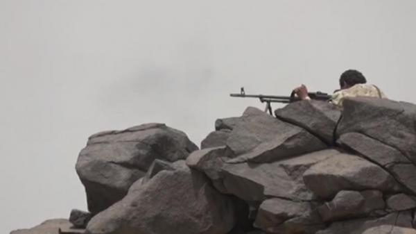 مقتل وإصابة 12 حوثياً بينهم قيادي وأسر آخر في هجوم فاشل على جبل العبلية بحيفان تعز